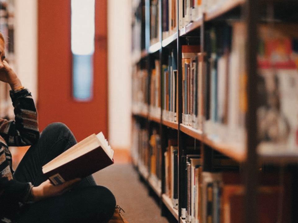 به روایت یک کرم کتاب | مردن با کتابها