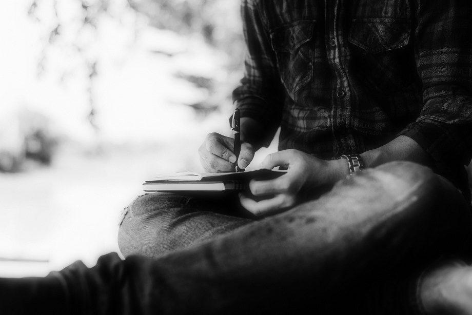 تفاوت زندگینامه و خودزندگینامه در چیست؟